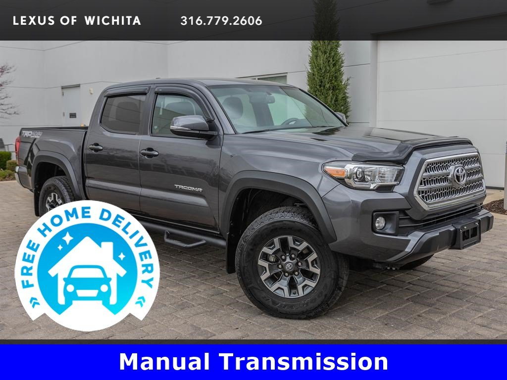 Pre-Owned 2017 Toyota Tacoma TRD Off-Road Package