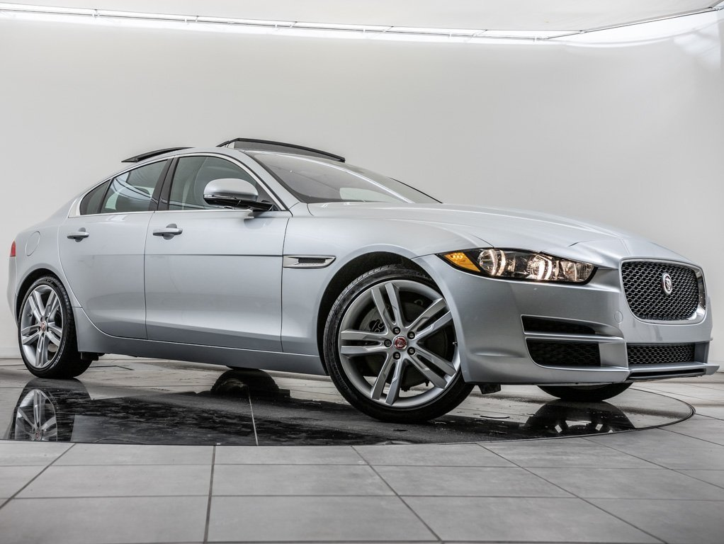 Certified Pre-Owned 2018 Jaguar XE 35t Prestige, Navigation, 19 Wheels, Meridian